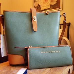 Dooney and bourke bundle handbag and wallet